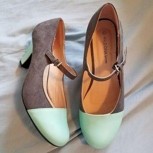 Modcloth retro styled heels! Super cute!